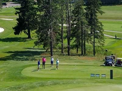 Golfing at Ridgeview